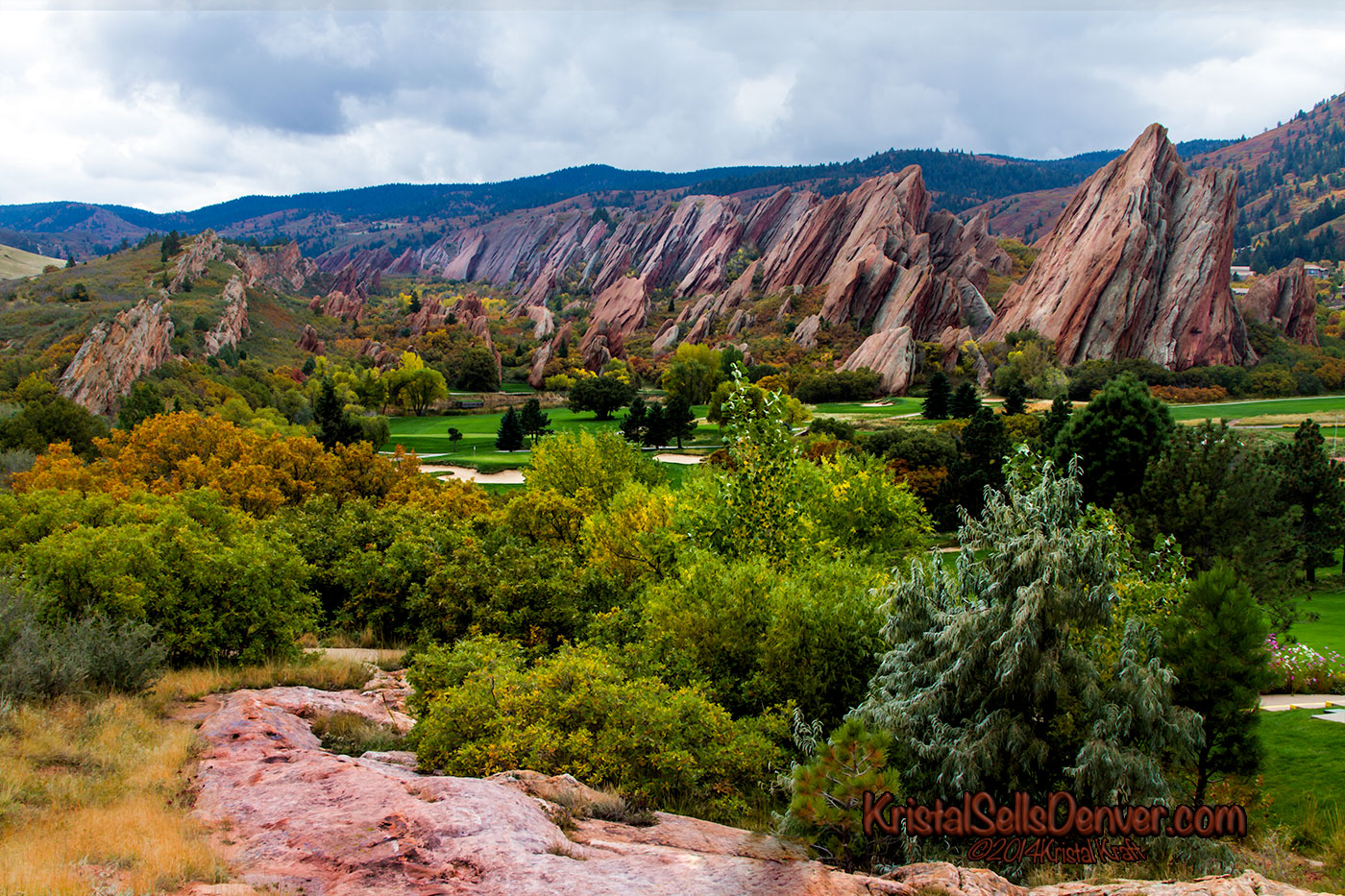 Arrowhead Golf Course with a view of the red rocks